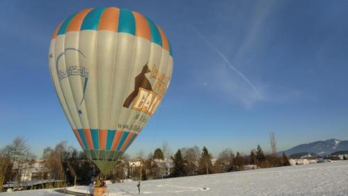 Ballonlandung im Winter
