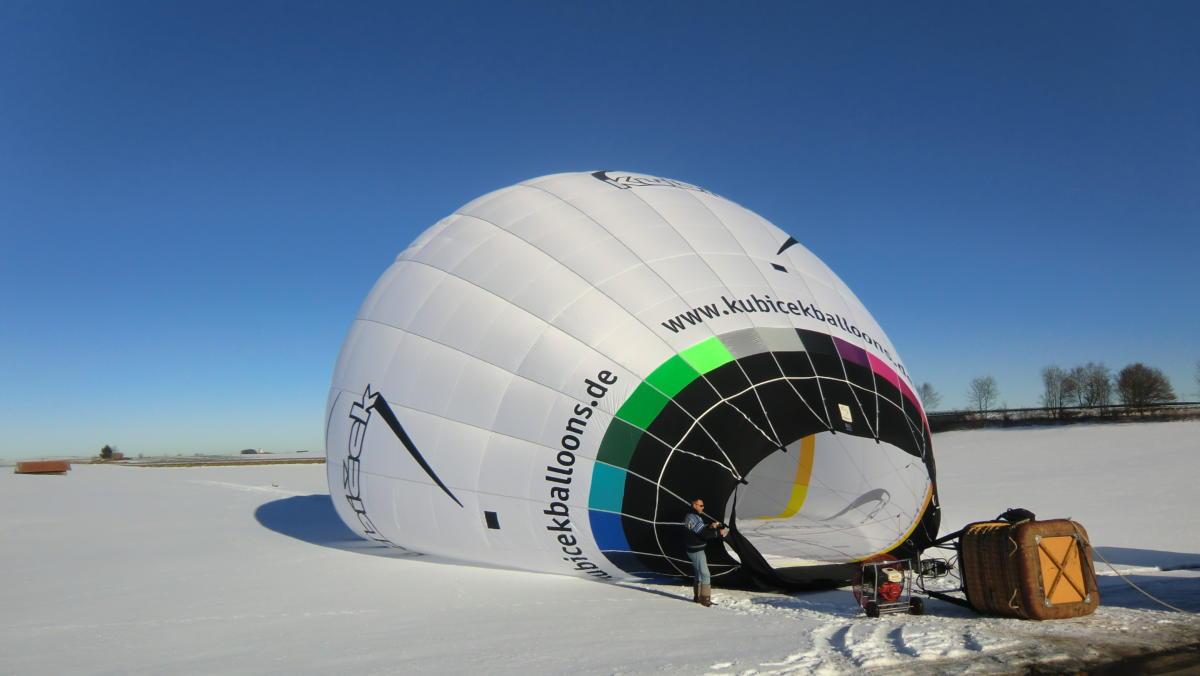 Ballonstart im Winter