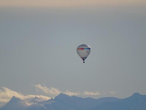 Ballonpanorama über dem winterlichen Allgäu